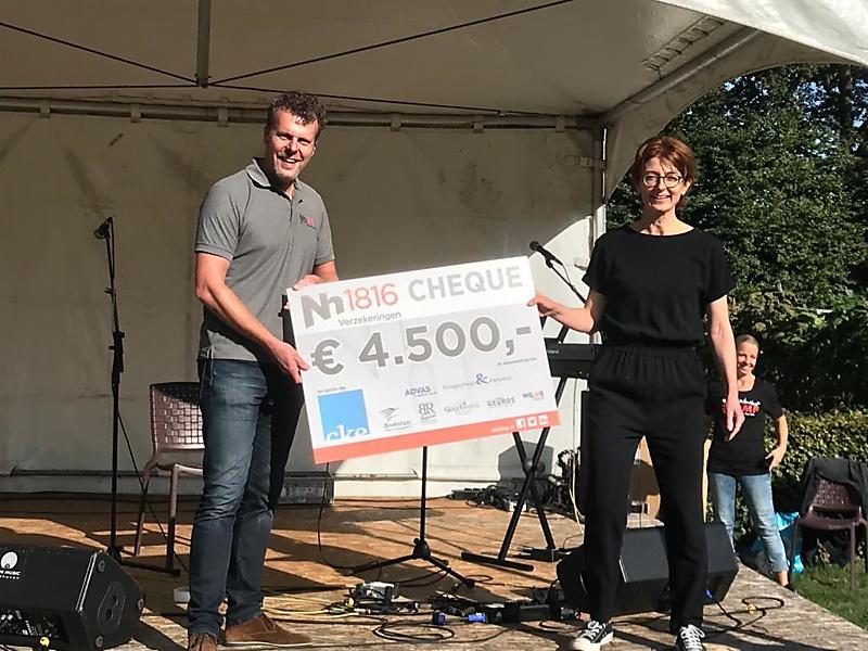 Donatie van 4.500 euro namens sponsors Muziek met Smaak